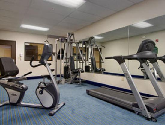 Wingate by Wyndham York: Fitness Center