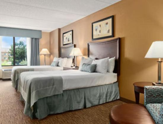Wingate by Wyndham Fayetteville: Standard 2 Double Bed Room
