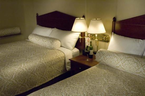 Westmark Baranof Hotel: WMBnf Guest Rooms Deluxe Twins AT