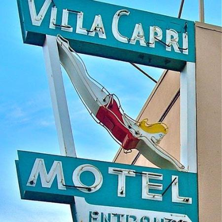 Villa Capri by the Sea: Exterior