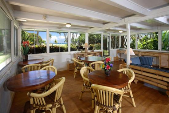 The Mauian Hotel on Napili Beach: Patio