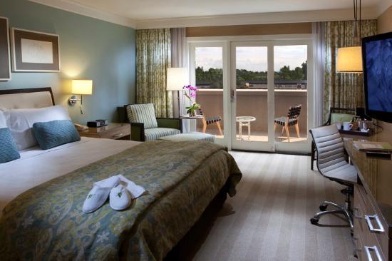 Hotel Amarano Burbank: Other Hotel Services/Amenities
