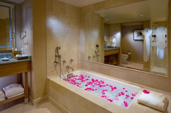 Hotel Amarano Burbank: Premier Deluxy Jr Suite
