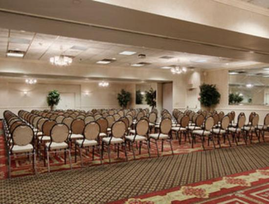 Ramada Plaza Hagerstown: Meeting Room