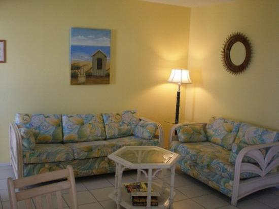 Tropical Breeze Resort: 1 BR Large Suite