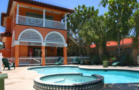 Tropical Breeze Resort: Pool view