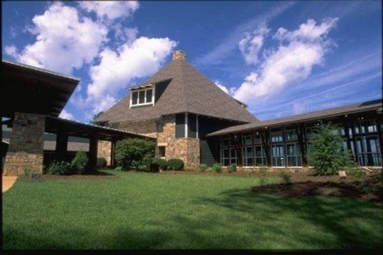 Brasstown Valley Resort & Spa: Main Entrance