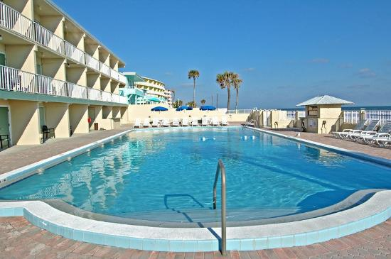 Super 8 Daytona Beach Oceanfront: Pool