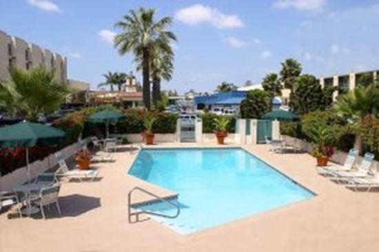 Park Vue Inn: Pool