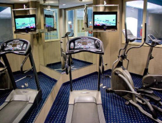 Days Inn & Suites Collingwood: Fitness Center