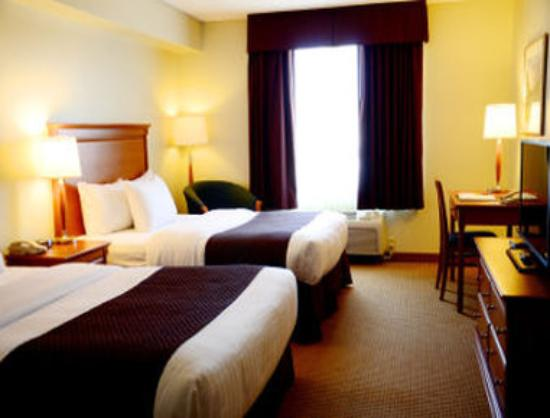Days Inn & Suites Collingwood: 2 Queen Bed Room