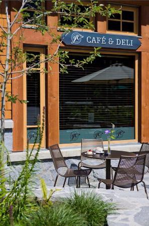 Nita Lake Lodge: JC-s Cafe - Deli