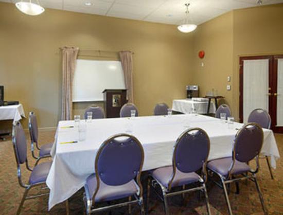 Super 8 Castlegar BC: Meeting Room