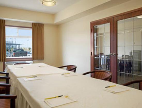 Super 8 Fort Saskatchewan : Meeting Room
