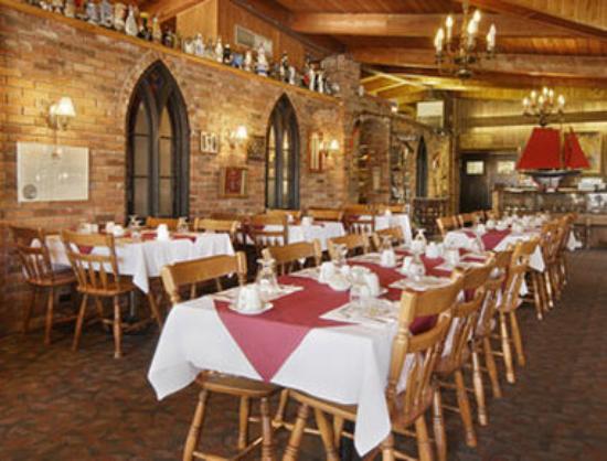 Ramada Gananoque Provincial Inn: Restaurant