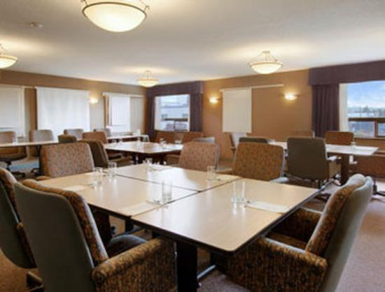 Ramada Plaza Prince George: Meeting Room