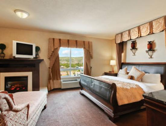 Ramada Drumheller Hotel & Suites: Standard King Bed Room