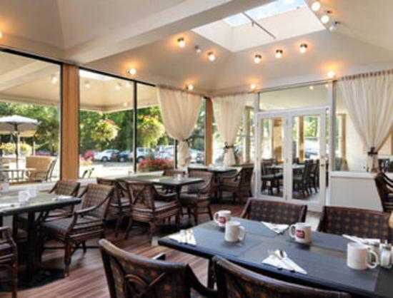 Ramada Victoria: Restaurant- Flavour