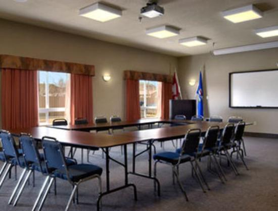 Ramada Drumheller Hotel & Suites: Meeting Room