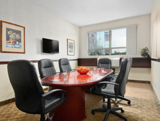 Ramada Limited Vancouver Airport: Board Room