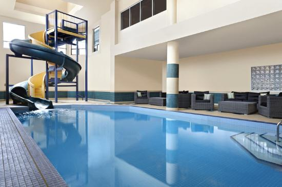 Four Points by Sheraton Calgary West: Indoor Pool