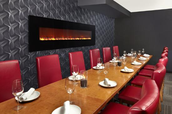 Four Points by Sheraton Calgary West: Rics Private Dinning Room