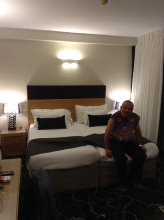Rimonim Tower Hotel Ramat Gan: החדר בעיצוב החדש. מורדני ופשוט.