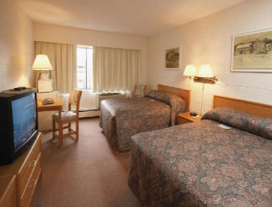 Travelodge Prince George Goldcap BC: Two Bed Room