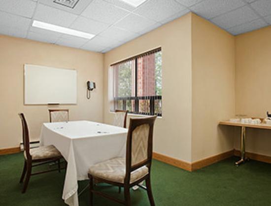 Travelodge Chatham: Meeting Room Chatham