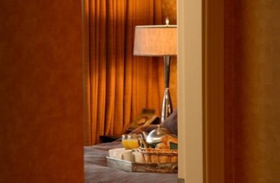 Victoria Regent Hotel: Room