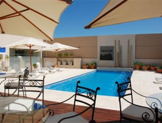 Howard Johnson Hotel and Casino Villa Maria: Outdoor Pool