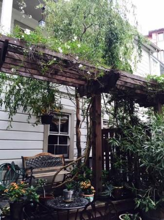 The Gables Inn Sausalito: The garden again!