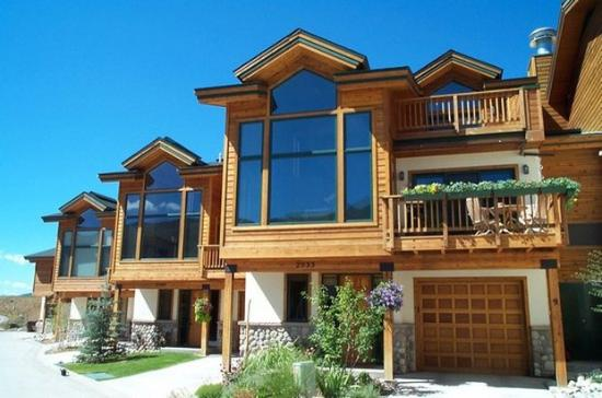 Evergreens Townhomes: Exterior