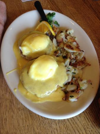 Buttercup Pantry: Eggs Benedict