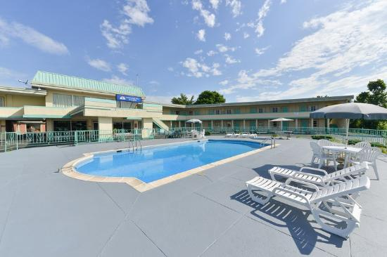 Americas Best Value Inn & Suites - South Boston