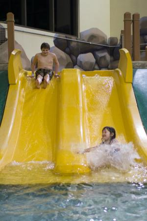 Great Wolf Lodge Grapevine: kiddie slides