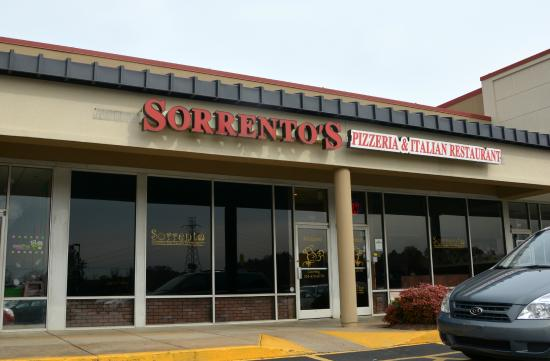 Sorrento Pizzeria and Italian Restaurant: Main Entrance
