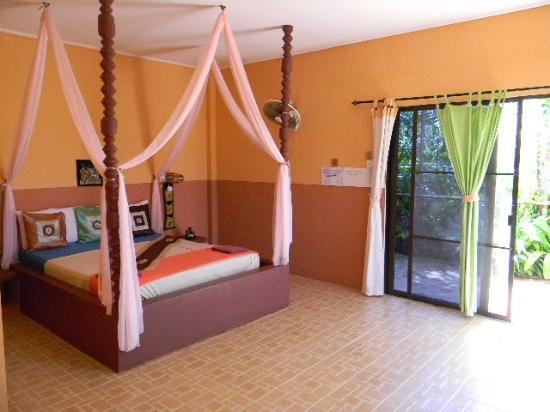 Oasis Bungalow Resort