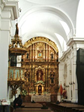 Basilica de Nuestra Senora del Pilar - Skull and crossbones - Picture of Basi...