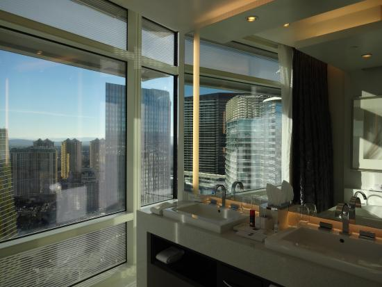 39th floor city view penthouse suite bathroom picture of for Best bathrooms vegas