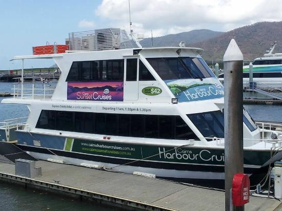 Cairns Harbour Cruises: Cairns Harbor Cruise
