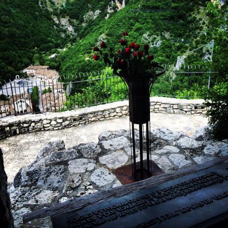Roccaporena, إيطاليا: Vista dallo Scoglio