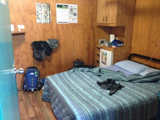 Magnums Backpackers: inside room
