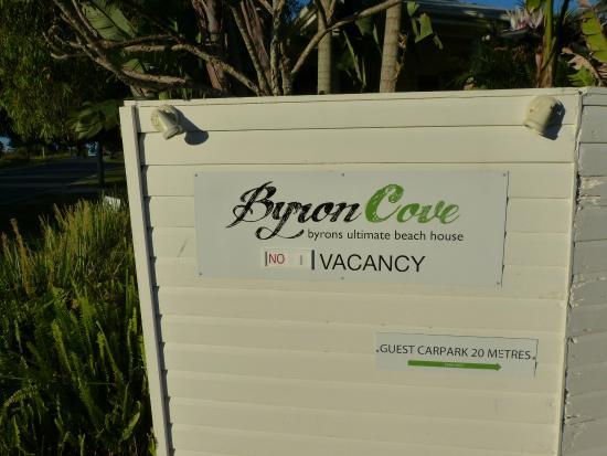 Byron Cove Beach House: Entrée
