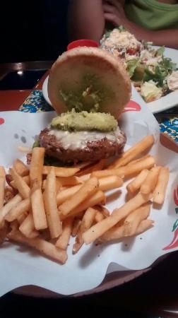 KLCC Chili's Grill & Bar : Guacamole burger & caesar salad