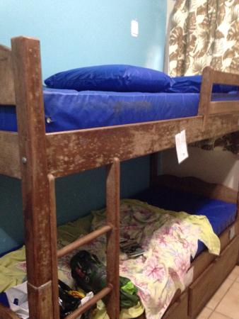 Lagoa Hostel: My urine smelling dirty bed