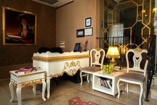 Sultans Royal Hotel: LOBBY