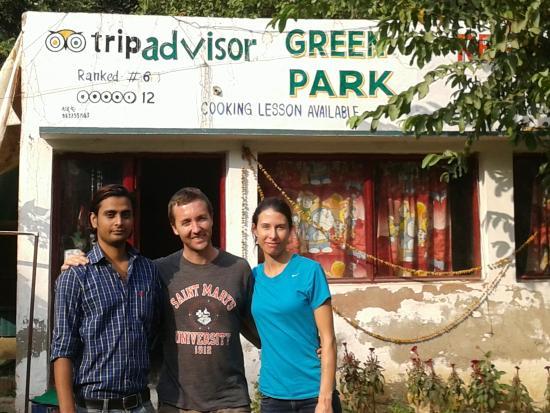 Green Park Restaurant: friendly couple. .