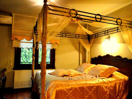 Villa Sphendone Suites: fell like a king or queen