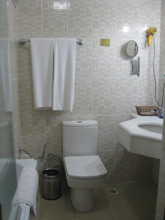 Altinoz Hotel: Bathroom